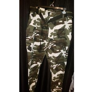 American Bazi Pants - Camouflage Cargo Pants